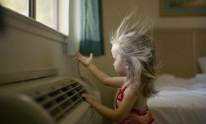 Toddler-enjoying-air-cond-002